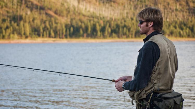 Sport de précision et vue : pour pratiquer la pêche, il est important de porter un équipement optique conçu spécifiquement pour la pratique de cette activité de précision.